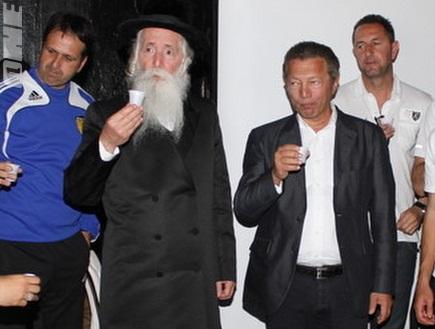 אמסלם, ארקדי, הרב גרוסמן ורוני לוי (מור שאולי)