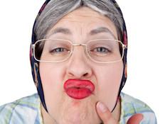 נשיקה מהדודה (צילום: istockphoto)