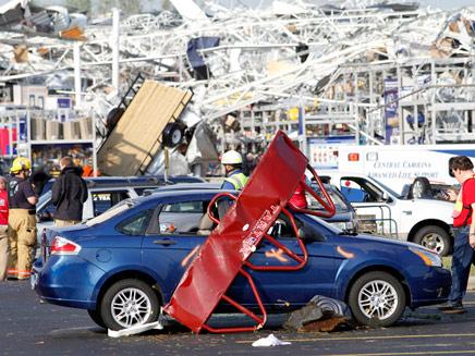 נזקי הטורנדו בצפון קרוליינה (צילום: AP)