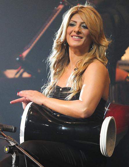שרית חדד האנגר דרבוקה (צילום: נועה מגר)