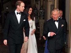 החתן והכלה מגיעים לאפטר-פרטי (צילום: RT)