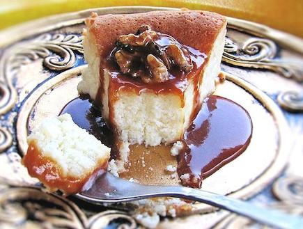 עוגת גבינה ושוקלד לבן רכה - פרוסה (צילום: דליה מאיר, קסמים מתוקים)