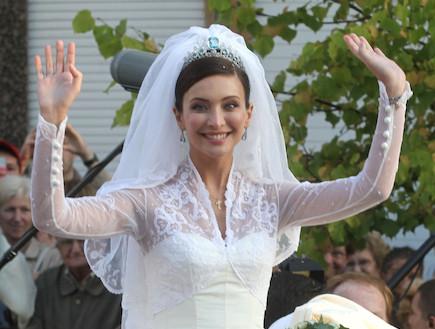איזבלה אורסיני בשמלת כלה (צילום: Mark Renders, GettyImages IL)