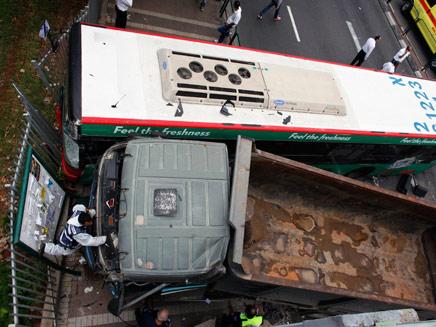 משאית הדורסת (צילום: חדשות 2)