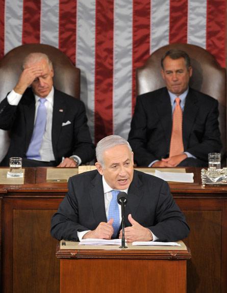 נתניהו בקונגרס - וביידן מאחוריו