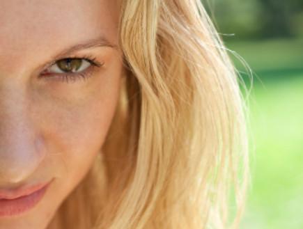 אישה ערמומית (צילום: istockphoto)