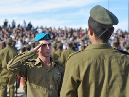 חיילי תותחנים בטקס