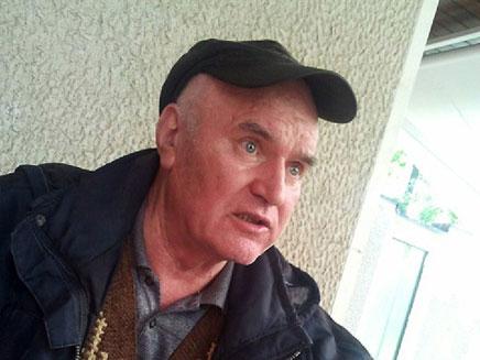 הגנרל הסרבי לאחר תפיסתו, בחודש שעבר (צילום: AP)