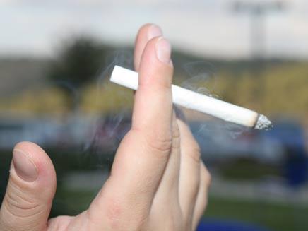 תגרה אלימה בגלל סיגריה. אילוסטרציה (צילום: חדשות 2)