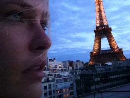 בר רפאלי מאי 2011 בפריז (צילום: twitter)