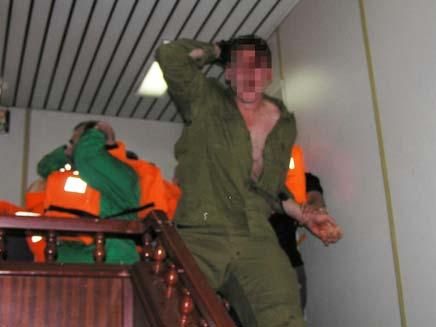 חייל פצוע מהמרמרה (צילום: רויטרס)