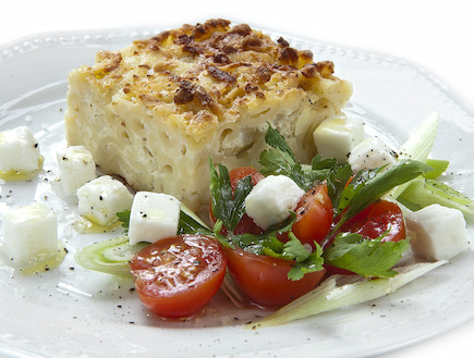 מתכון קלאסי ופשוט למאפה גבינות ופסטה (צילום: הום מייד)