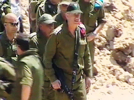 בני גנץ בביקור בצפון (צילום: חדשות 2)