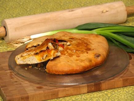 לחם ממולא (צילום: שי שרף, 7 מנות ל-7 ימים)
