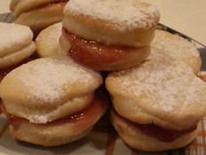 עוגיות סנדוויץ' עם ריבה