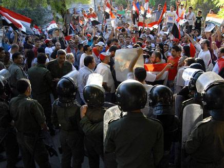 מהומות בסוריה. ישראל תקלוט עלאווים? (צילום: AP)