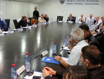 הנהלת ההתאחדות לכדורגל (עמית מצפה) (צילום: מערכת ONE)