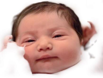 יפור הלידה של איה תינוקת (צילום: תומר ושחר צלמים)