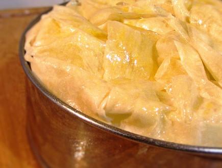 עוגת גבינה וחלבה - לפני הכניסה לתנור (צילום: דליה מאיר, קסמים מתוקים)