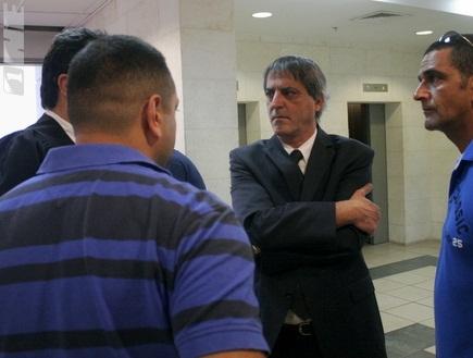 חיימי ווכניש, עורכי הדין של גל חצור (שרון קביליו) (צילום: מערכת ONE)