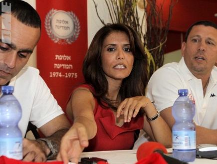 ניר קלינגר, אלונה ברקת ואסי רחמים במהלך מסיבת העיתונאים (יוסי ציפק (צילום: מערכת ONE)