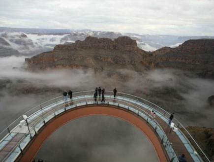 הליכה בשמיים גראנד קניון (צילום: האתר הרשמי)