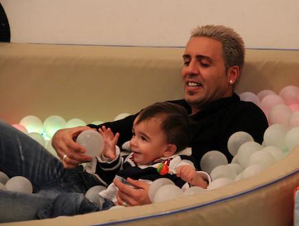 קובי פרץ ובנו ליאל גבריאל פרץ (צילום: אביב חופי)