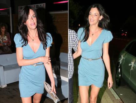 שירז טל בשמלה כחולה (צילום: אלעד דיין)