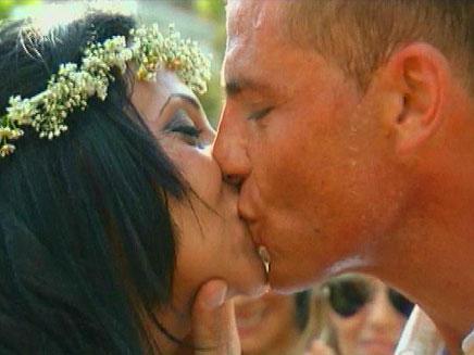 חתונה מאוחרת - זוגות שמתחתנים 7 פעמים (צילום: חדשות 2)