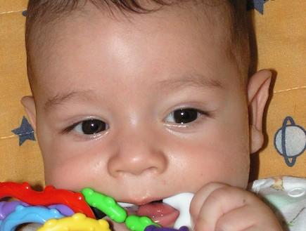 אלון נגר- תינוק סיפורי הנקה (צילום: תומר ושחר צלמים)