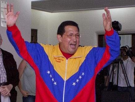 הוגו צ´אבס מעודד את ונצואלה. איך ייגמר המשחק על מקומות 4-3? (רויטר (צילום: מערכת ONE)