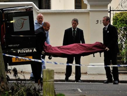 הגופה של איימי ווינהאוס (צילום: Gareth Cattermole, GettyImages IL)