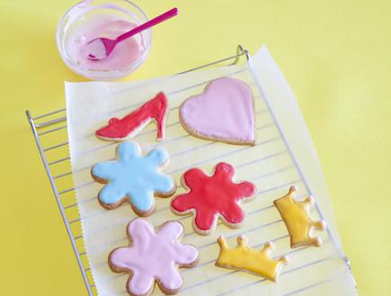 עוגיות גדולות בצבעים, קיץ שמח במטבח (צילום: יוסי סליס, קיץ שמח במטבח, הוצאת ידיעות ספרים)