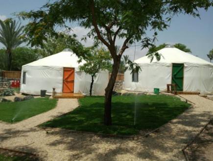 אוהלים גני חוגה- אוהלים בארץ