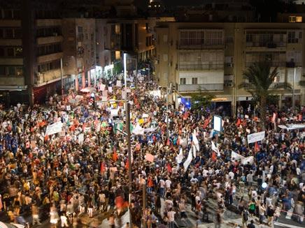 נצא שוב לרחובות? המחאה החברתית, 2011 (צילום: רויטרס)