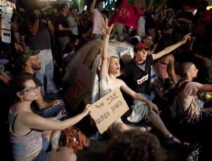 """מוחים בת""""א. גם בספרד יש מחאה (GettyImages) (צילום: מערכת ONE)"""
