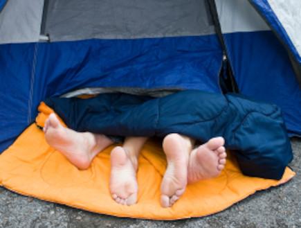 סקס באוהל (צילום: PenelopeB, Istock)