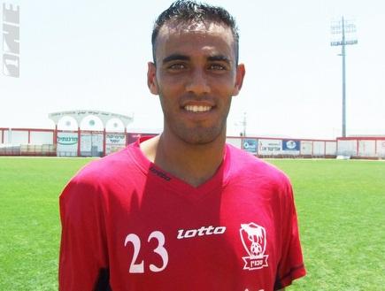 אמיר אבו עראר. עובר לליגה הפלסטינית (צילום: מערכת ONE)