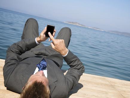 טלפון סלולרי (צילום: PeskyMonkey, Istock)