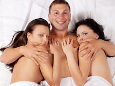 סקס בשלישייה (צילום: istockphoto)