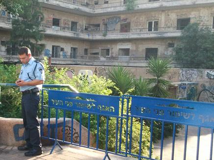 הבניין הנטוש בתל אביב (צילום: עזרי עמרם, חדשות 2)
