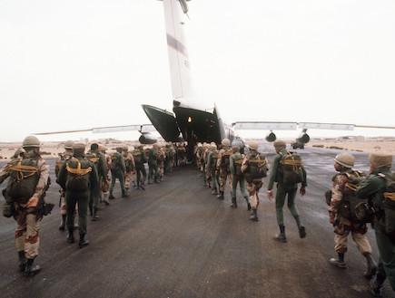 חיילים מצרים ואמריקאים (צילום: USAF, GettyImages IL)