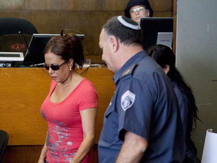 מרגלית צנעני בבית המשפט (צילום: דרור עינב)