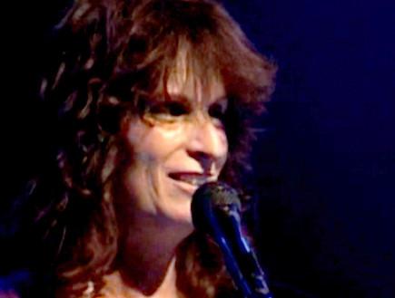 אסתר שמיר, עננה, מוזיקה ישראלית, יונתן לוי (וידאו WMV: mako)