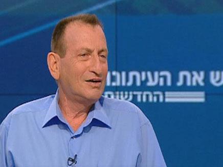 רון חולדאי, היום באולפן פגוש את העיתונות (צילום: חדשות 2)