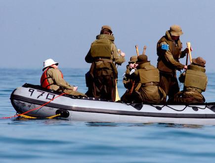 סירת גומי (צילום: אביר סולטן, באדיבות גרעיני החיילים)
