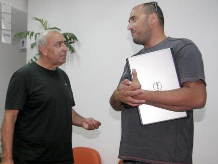מנחם נידם (משמאל) בבית הדין, היום (יניב גונן) (צילום: מערכת ONE)