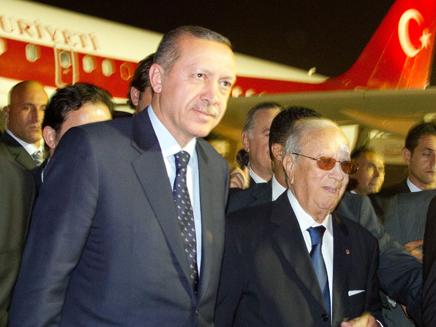 ארדואן, ראש ממשלת טורקיה מגיע לטוניסיה (צילום: חדשות 2)