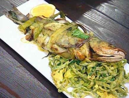 דג חנוט בחציל ובצל ירוק (תמונת AVI: mako)