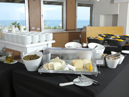 ארוחת בוקר בממסעדת מלון נרקיס מגדל שאמס רמת הגולן (צילום: האתר הרשמי)